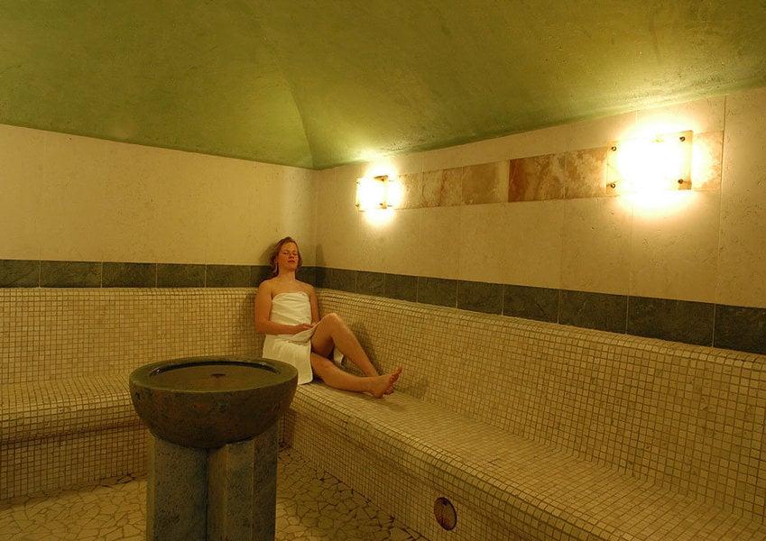 Hotel con centro benessere pinzolo albergo con bagno turco sauna