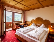 "Rooms in the hotel with ""Panoramic view"""