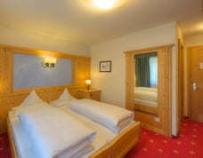 "Zimmer im Hotel ""Col Alto Blick"""